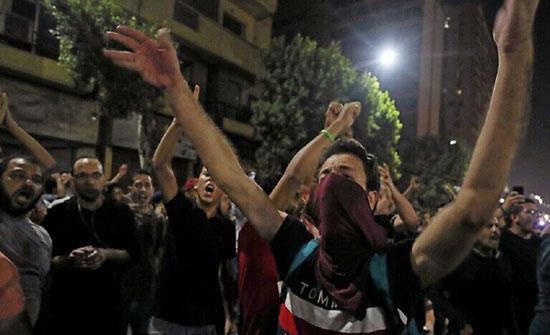 مصر.. توقيف محامين دافعوا عن المتظاهرين في نيابة أمن الدولة