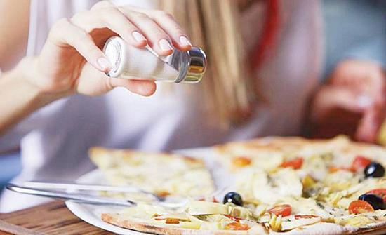 الملح يفتح الشهية ويسبب السمنة