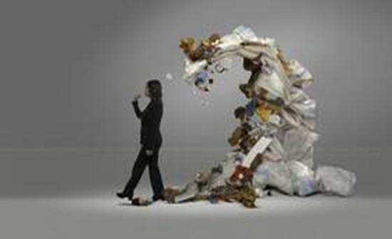 """دراسة مفاجئة: البلاستيك """"يحتل"""" أمعاءنا!"""