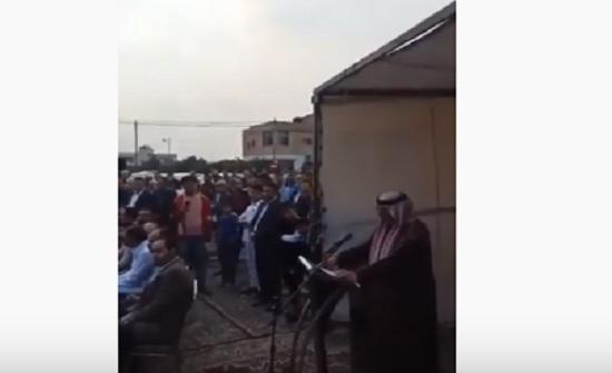 بالفيديو : الروابدة يتنازلون عن كافة حقوقهم بعد مقتل نجلهم على يد شاب من عشيرة الرجوب
