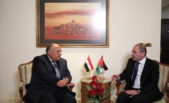 الصفدي في لقاء مع نظيره المصري : أقلمة الأزمة الليبية سيجعل من الأمور أكثر صعوبة وتعقيداً