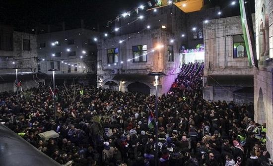 الآلاف بالضفة يهتفون للمقاومة مع بدء الإضراب العام (شاهد)