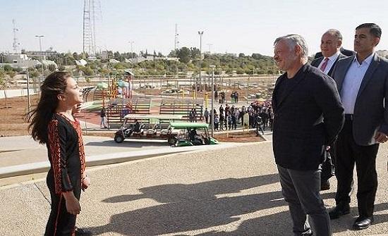 الملك يفتتح حدائق الملك عبدالله الثاني في منطقة المقابلين