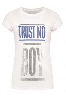Nikkie by nikkie trust no boy t-shirt off white