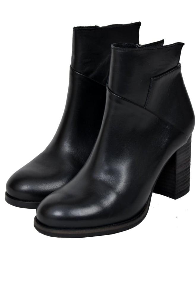 57.262 ladies booties black 014 - Lazamani