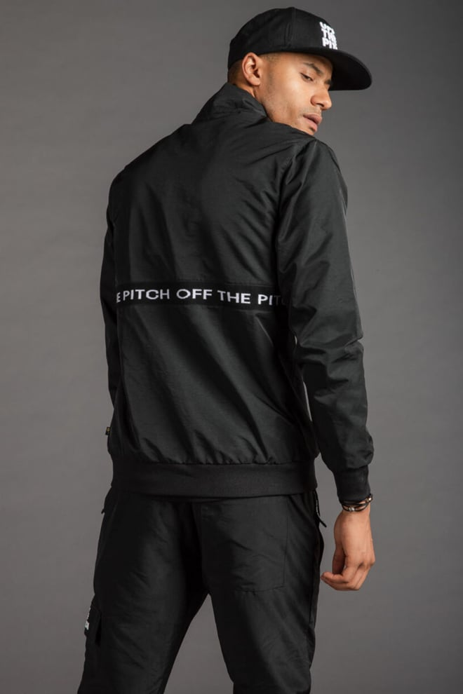 Off the pitch the hero suit black - Off The Pitch