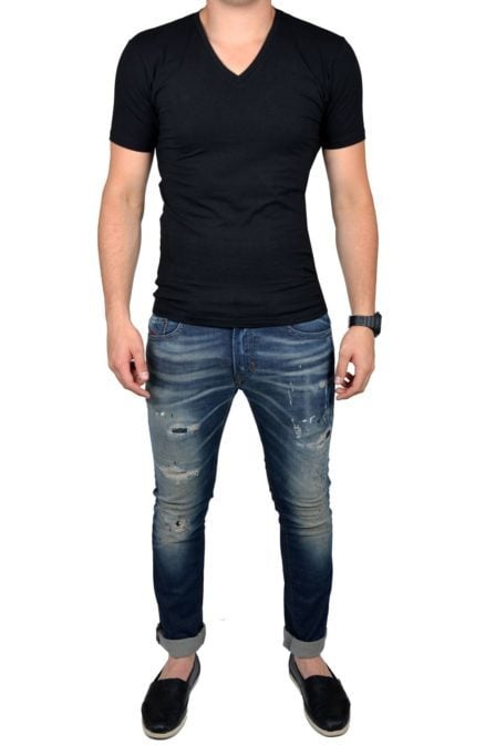 Black t-shirt men v-neck