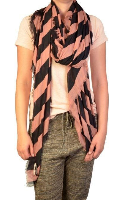 Supersoft lightweight scarf b/black 012