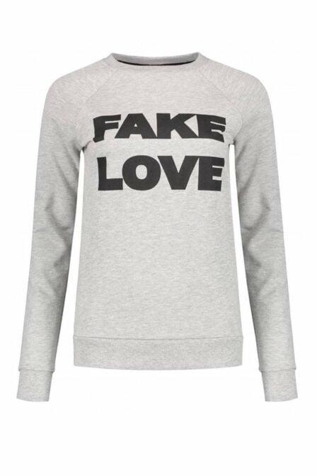 Nikkie by nikkie fake love sweater