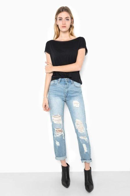 Tigha kiya ripped jeans