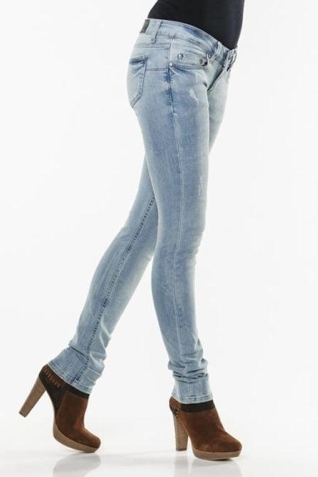 Eden schwartz divya 1169 jeans