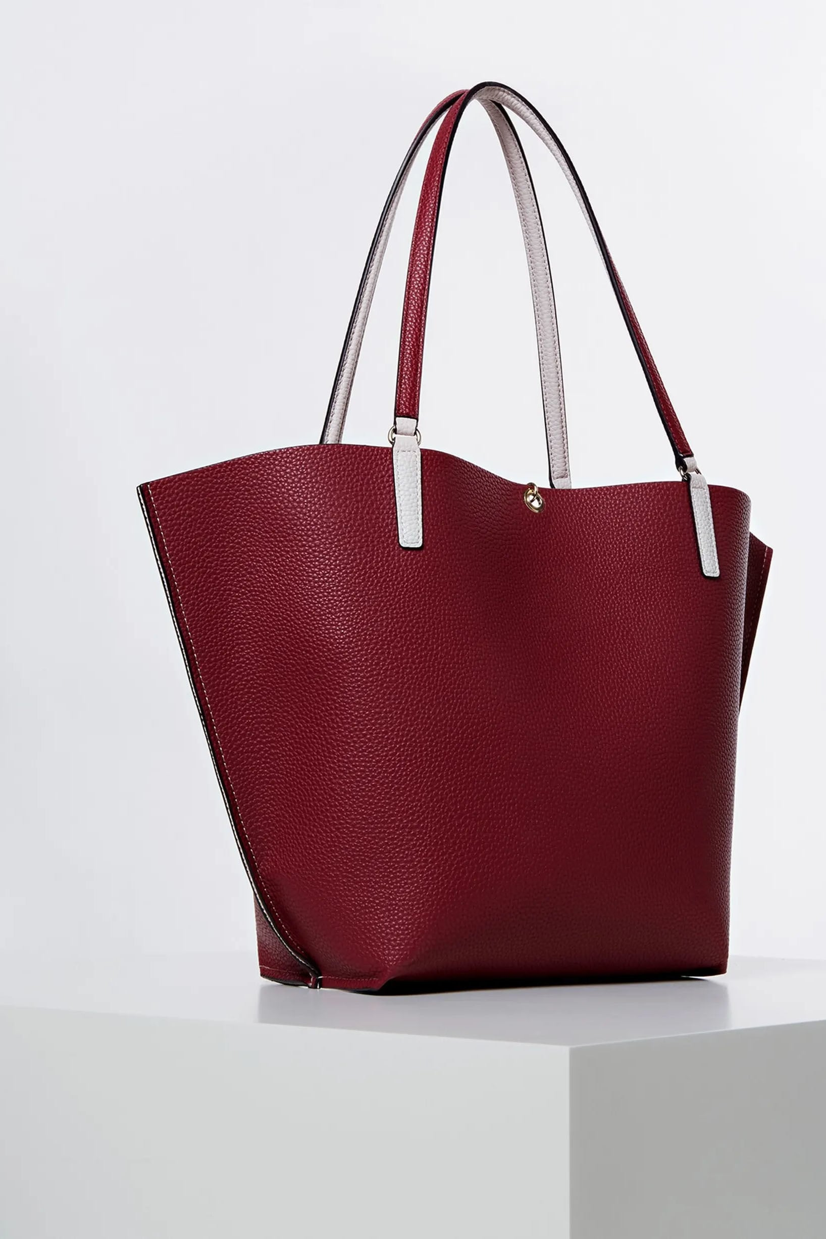 Guess alby handtas rood Xxxxx Guess alby handtas rood