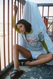 Yeez louise panthere noire tee grey
