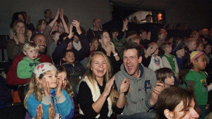 Van Toeschouwer naar Speler - Robin Hood jr. door Leerlingen Amsterdamse basisschool — De Krakeling, theater voor de jeugd te Amsterdam