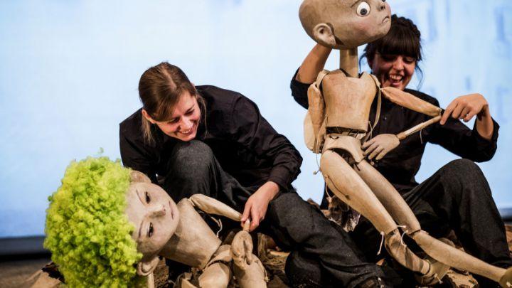 Raya door Beeldsmederij DE MAAN, Moussem Nomadisch Kunstcentrum, hetpaleis (BE) — De Krakeling, theater voor de jeugd te Amsterdam