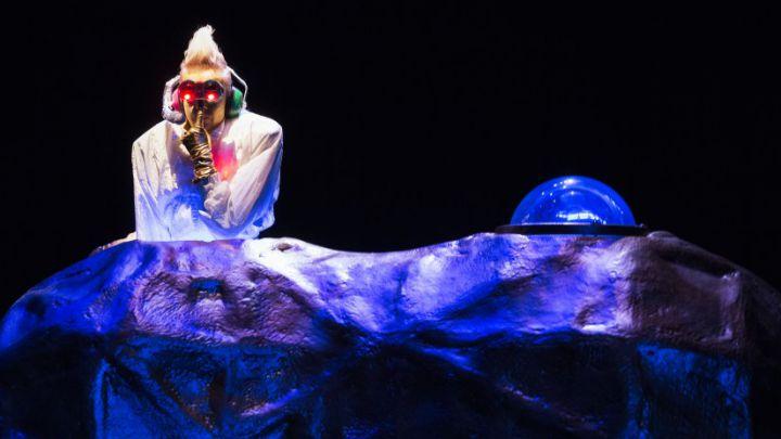 Robotje door NTjong / STIP Theaterproducties  — De Krakeling, theater voor de jeugd te Amsterdam