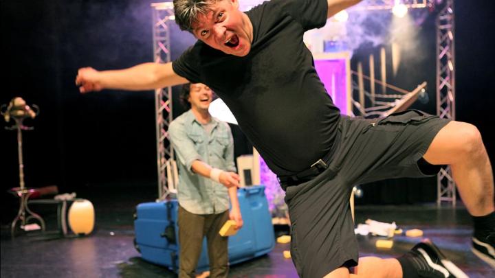De waanzinnige boomhut van 13 verdiepingen door Meneer Monster / CDP Theatre Producers — De Krakeling, theater voor de jeugd te Amsterdam