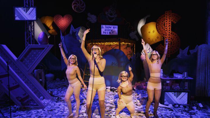 In mijn hoofd ben ik een dun meisje door NTjong — De Krakeling, theater voor de jeugd te Amsterdam
