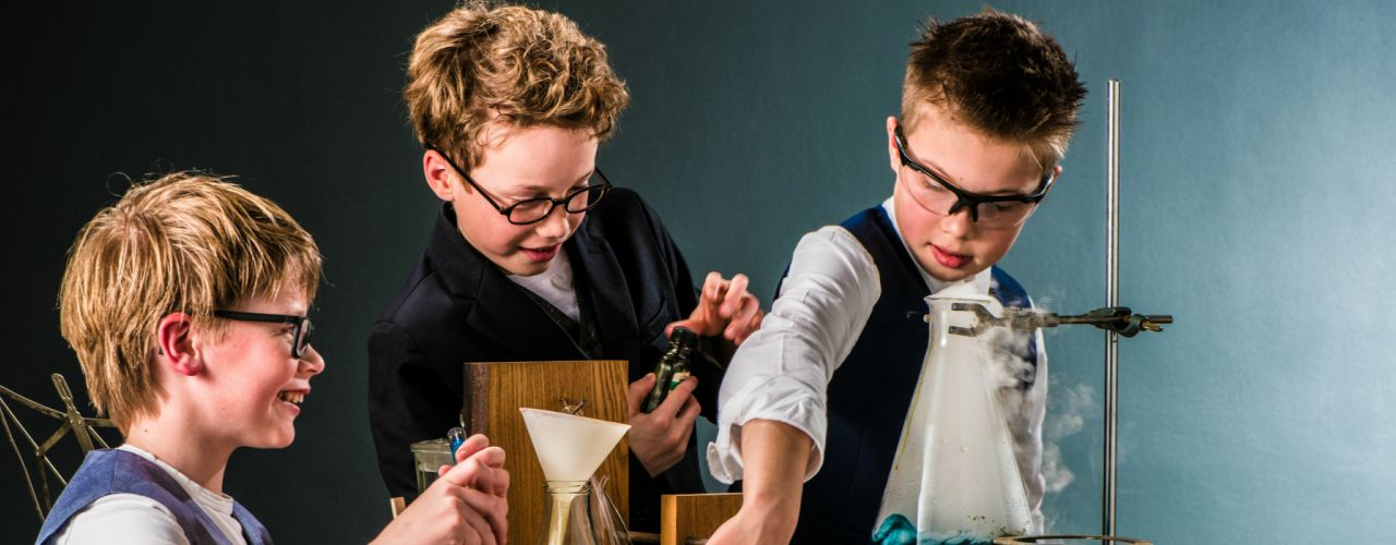 Uitvinders door Holland Opera — De Krakeling, theater voor de jeugd te Amsterdam