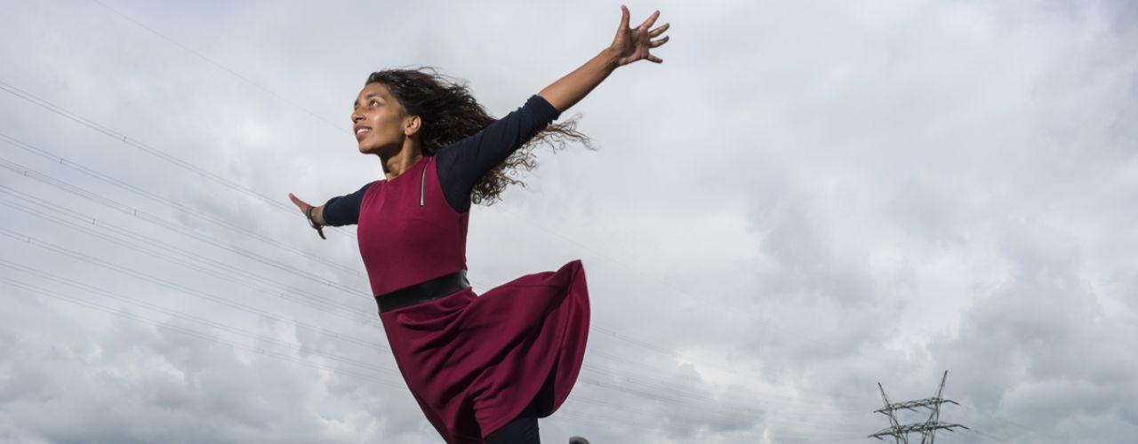 Vlieger zonder koord door Danstheater Aya / Erik Kaiel — De Krakeling, theater voor de jeugd te Amsterdam