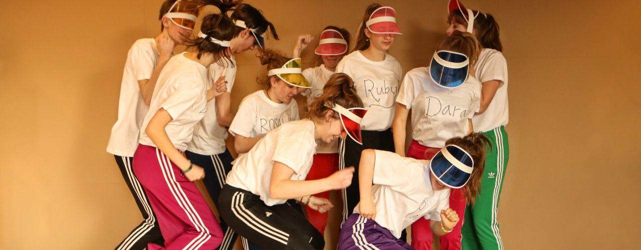 Klapwieken door Amsterdamse jeugdteJAterschool — De Krakeling, theater voor de jeugd te Amsterdam