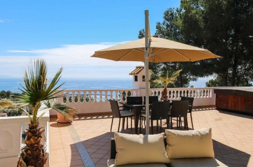 Charming villa beautifully located with panoramic sea views