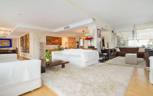 Apartment-illetes-_9-high-res-1900x1200.jpg