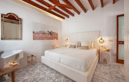 BEAUTIFUL-APARTMENT-SANTA-CATALINA-MALLORCA_18.jpg