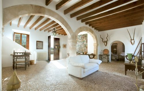 BEAUTIFUL-MANSION-POLLENSA-MALLORCA_18.jpg