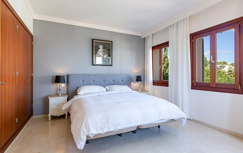 BEAUTIFUL-VILLA-PORTALS-MALLORCA_2.jpg