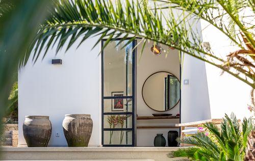 ELEGANT-HOUSE-IN-SANTA-PONSA-MALLORCA_24.jpg