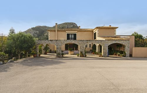 FINCA-GUESTHOUSE-AND-HORSESTABELS-ALCUDIA_20.jpg