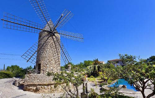 FINCA-WITH-WINDMILL-MALLORCA_7.jpg