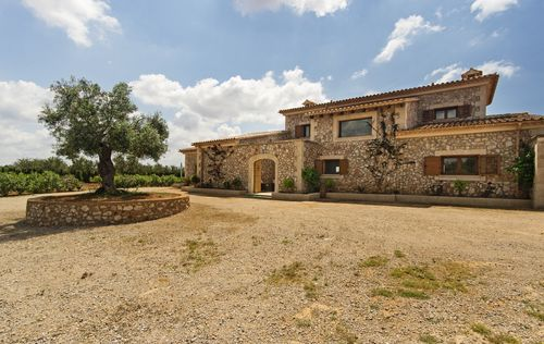 LUXURY-FINCA-IN-LLUCMAJOR-MALLORCA_16.jpg