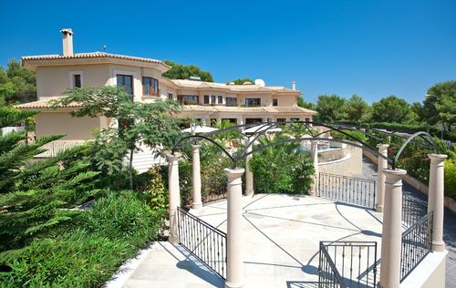 LUXURY-MANSION-IN-PORTALS-MALLORCA_2.jpg