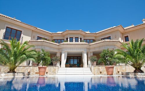 LUXURY-MANSION-IN-PORTALS-MALLORCA_4.jpg
