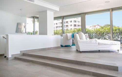 Luxury-Frontline-Penthouse-11.jpg