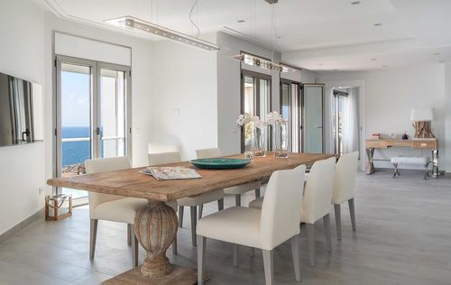 Luxury-Frontline-Penthouse-12.jpg