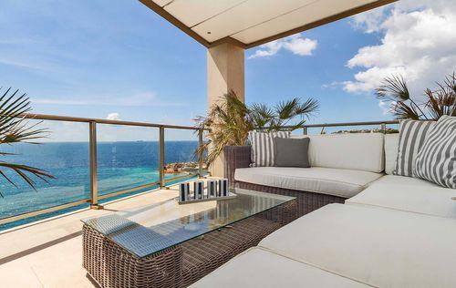 Luxury-Frontline-Penthouse-15.jpg