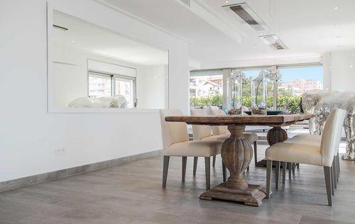 Luxury-Frontline-Penthouse-16.jpg