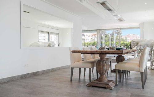 Luxury-Frontline-Penthouse-1.jpg