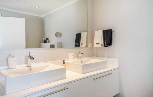Luxury-Frontline-Penthouse-5.jpg