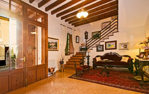 MAJORCAN-TOWNHOUSE-IN-ALARO.jpg
