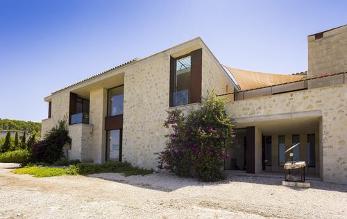 MODERN-COUNTRY-HOUSE-MALLORCA_12.jpg