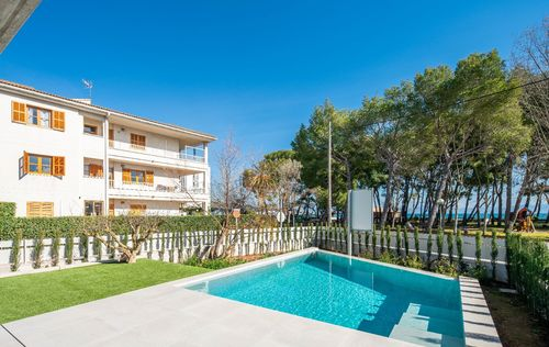 MODERN-VILLA-BY-THE-SEA-ALCUDIA_16.jpg