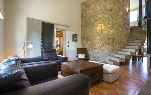 RENOVATED-FINCA-TOURIST-LICENSE-BUGER-MALLORCA_2.jpg