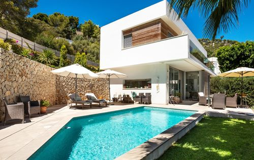 STYLISH-VILLA-IN-GENOVA-MALLORCA.jpg