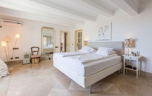 double-villa-with-fantastic-seaviews_15.jpg
