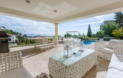 double-villa-with-fantastic-seaviews_27.jpg