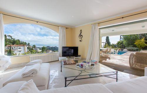 double-villa-with-fantastic-seaviews_4.jpg